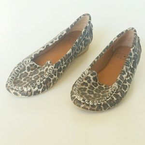 Lucky Beans Animal Print Leather Loafers Women 7M